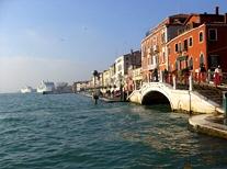 schiff italien nach venedig